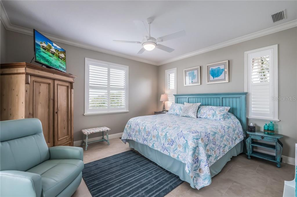 Bedroom 2 - Single Family Home for sale at 412 Sunrise Dr, Nokomis, FL 34275 - MLS Number is N5916248