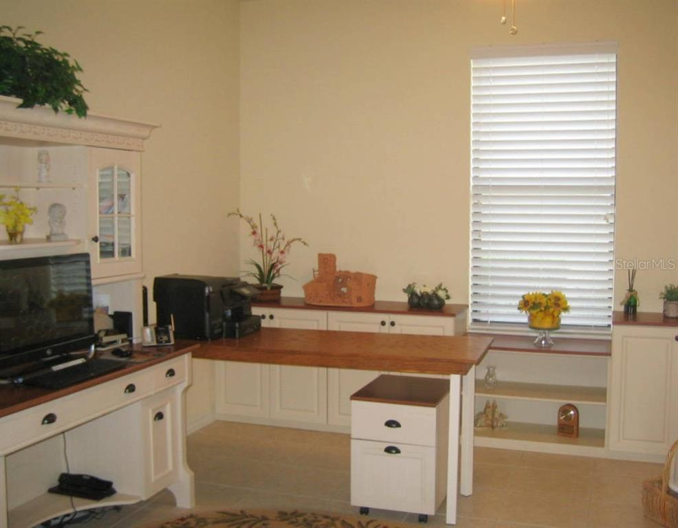 Bonus room currently used for office space - Villa for sale at 1445 Maseno Dr, Venice, FL 34292 - MLS Number is N5916837