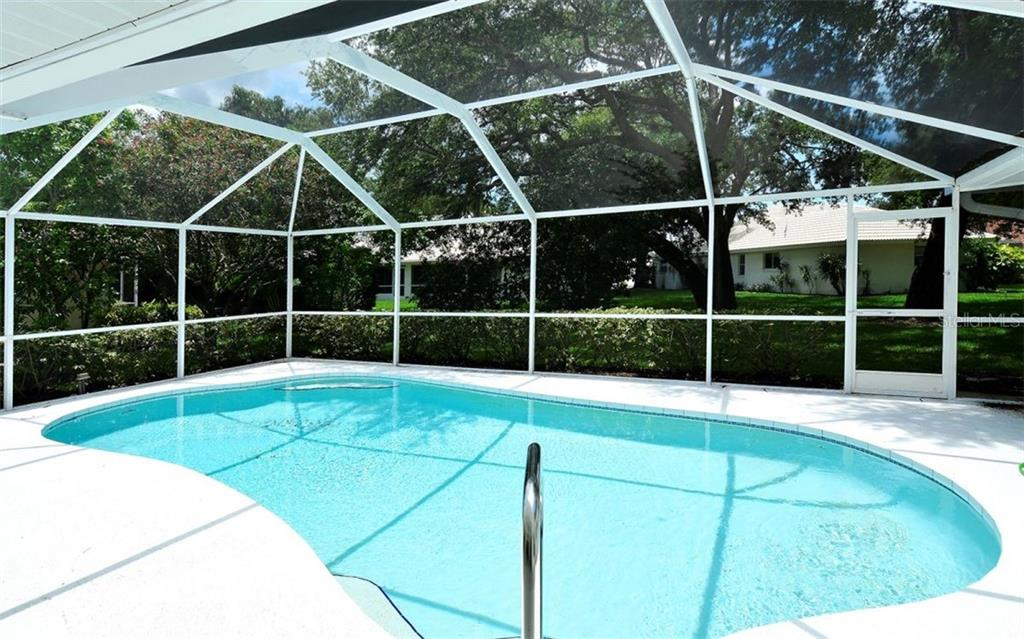 Single Family Home for sale at 373 Roseling Cir, Venice, FL 34293 - MLS Number is N6100641