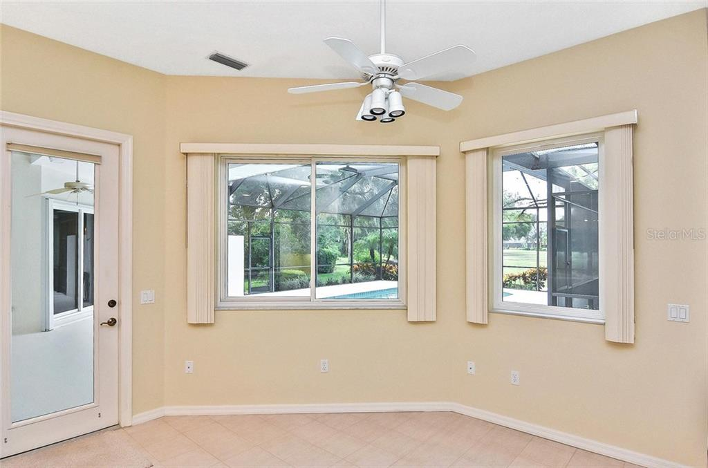 Dinette to family room - Single Family Home for sale at 2156 Muskogee Trl, Nokomis, FL 34275 - MLS Number is N6101745