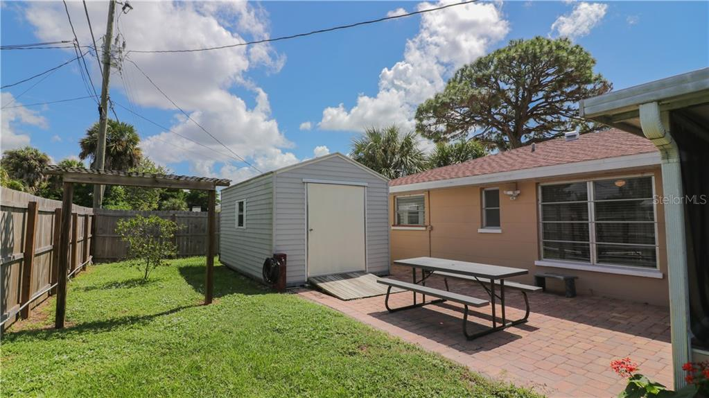 Large insulated and Air Conditioned Shed, and perfect workshop! - Single Family Home for sale at 401 Shamrock Blvd, Venice, FL 34293 - MLS Number is N6102109