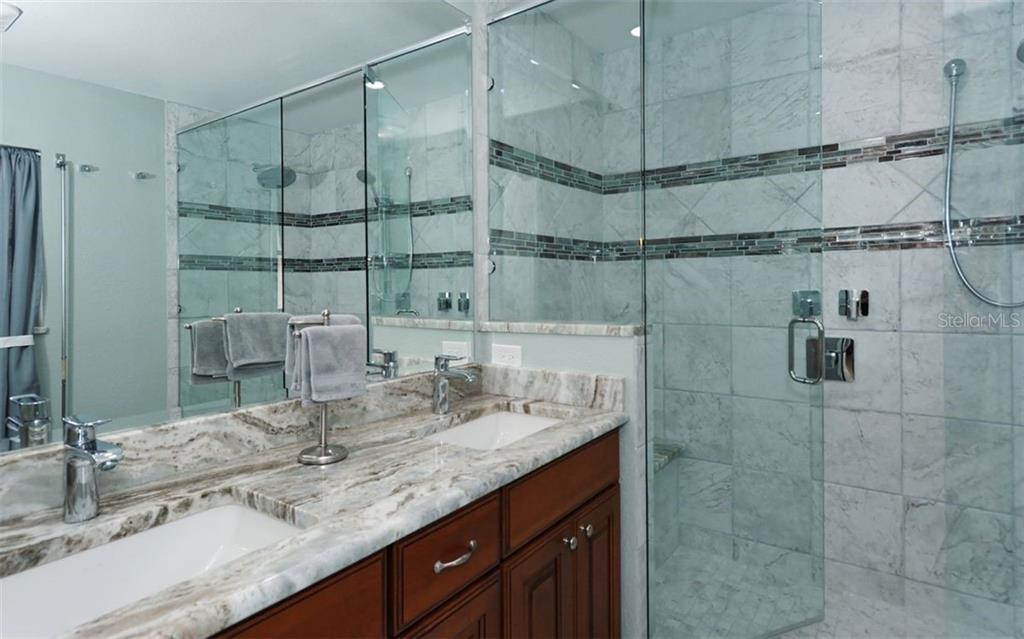 Master bath - Single Family Home for sale at 1460 Strada D Argento, Venice, FL 34292 - MLS Number is N6104612