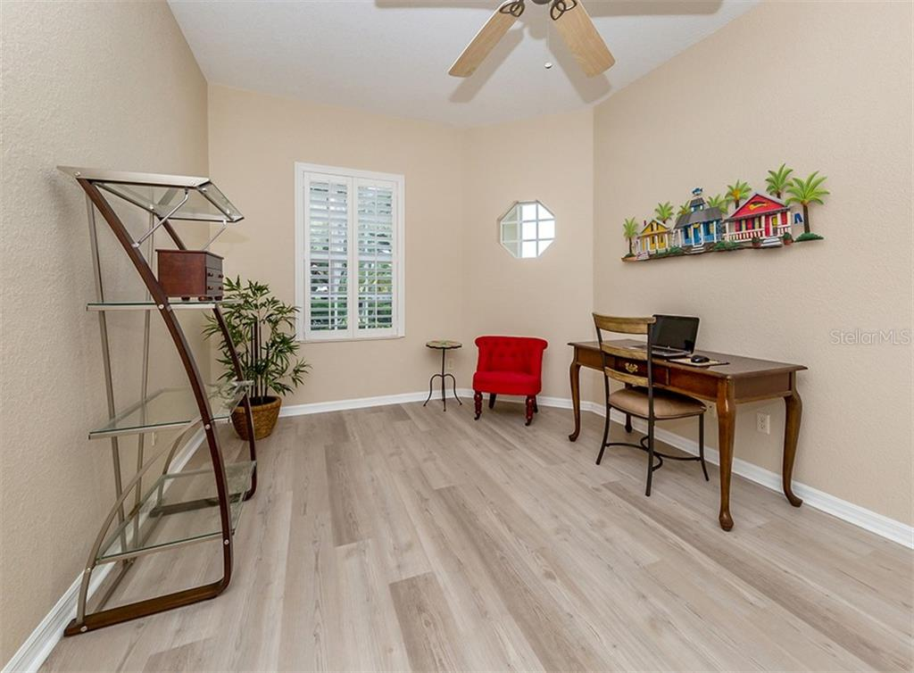 Bedroom 3 - Single Family Home for sale at 836 Connemara Cir, Venice, FL 34292 - MLS Number is N6105684