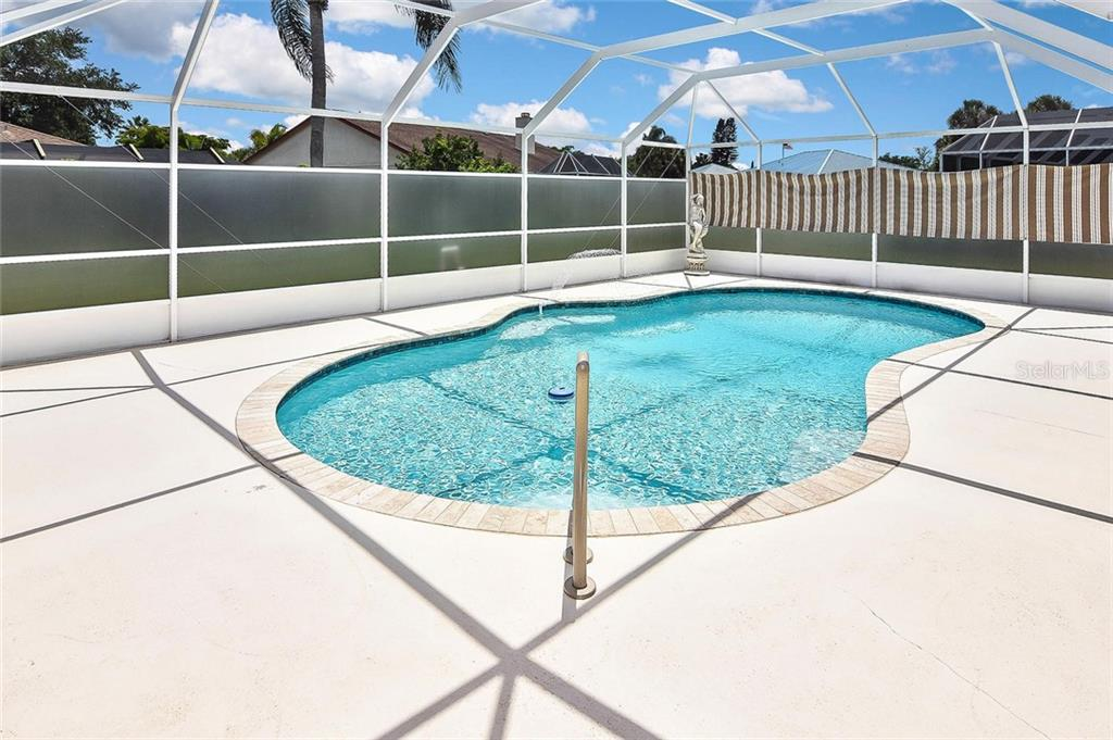 Pool - Single Family Home for sale at 2232 E Village Cir, Venice, FL 34293 - MLS Number is N6105697