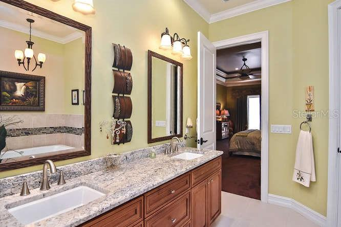 Master bathroom - Single Family Home for sale at 753 Guild Dr, Venice, FL 34285 - MLS Number is N6105757