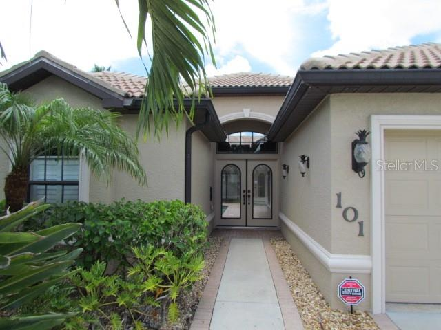Single Family Home for sale at 101 Valencia Lakes Dr, Venice, FL 34292 - MLS Number is N6106588