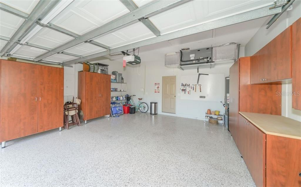 Garage - Single Family Home for sale at 226 Rio Terra, Venice, FL 34285 - MLS Number is N6107320