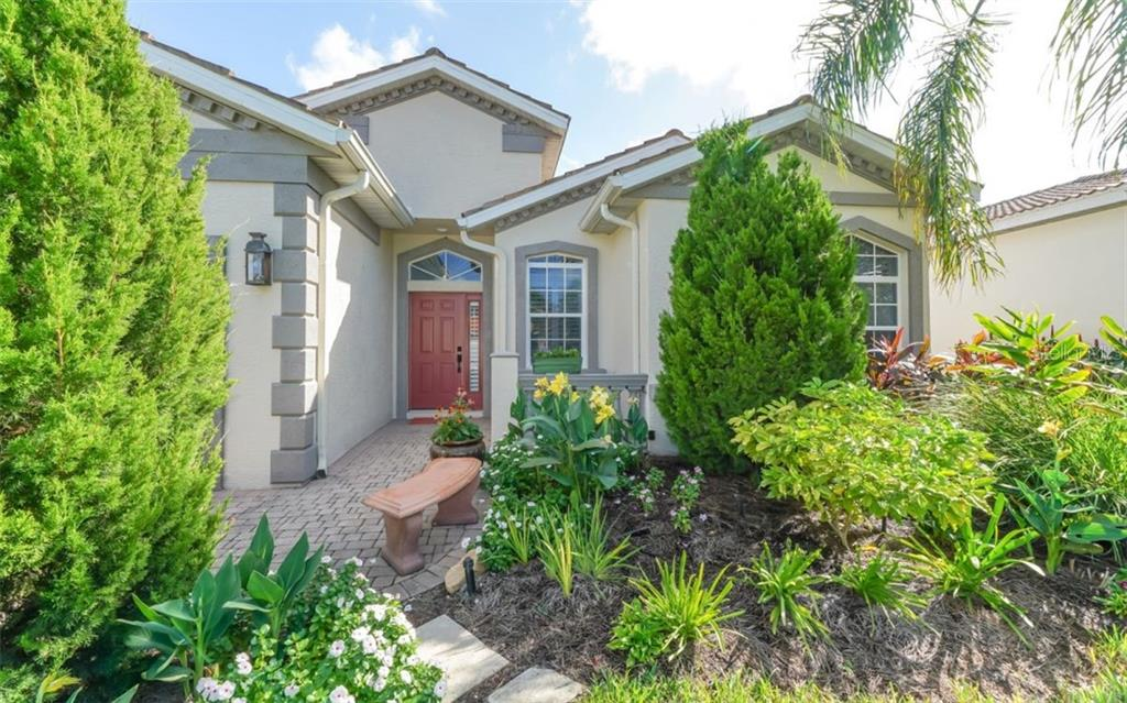 Walkway to front entry - Single Family Home for sale at 226 Rio Terra, Venice, FL 34285 - MLS Number is N6107320