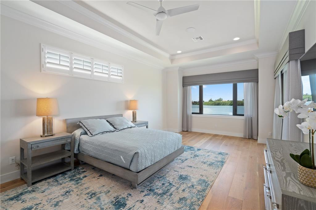 Master bedroom. - Single Family Home for sale at 4919 Topsail Dr, Nokomis, FL 34275 - MLS Number is N6107792
