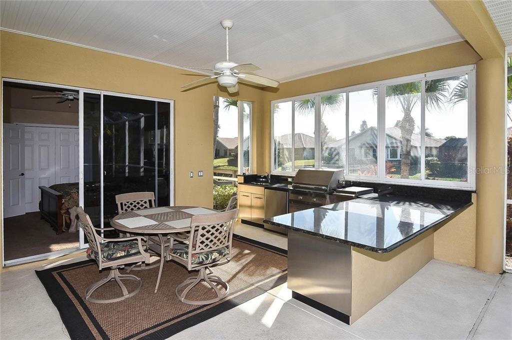 Outdoor kitchen - Single Family Home for sale at 321 Dulmer Dr, Nokomis, FL 34275 - MLS Number is N6108685