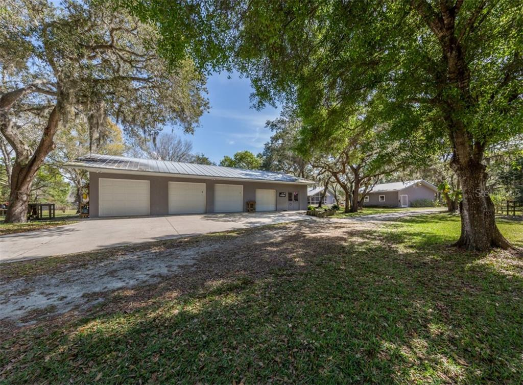 Single Family Home for sale at 2400 Kilpatrick Rd, Nokomis, FL 34275 - MLS Number is N6109154
