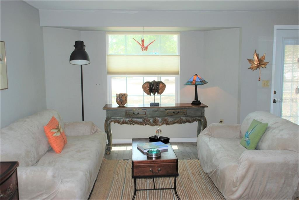 Living room - Single Family Home for sale at 508 Nassau St S, Venice, FL 34285 - MLS Number is N6109180