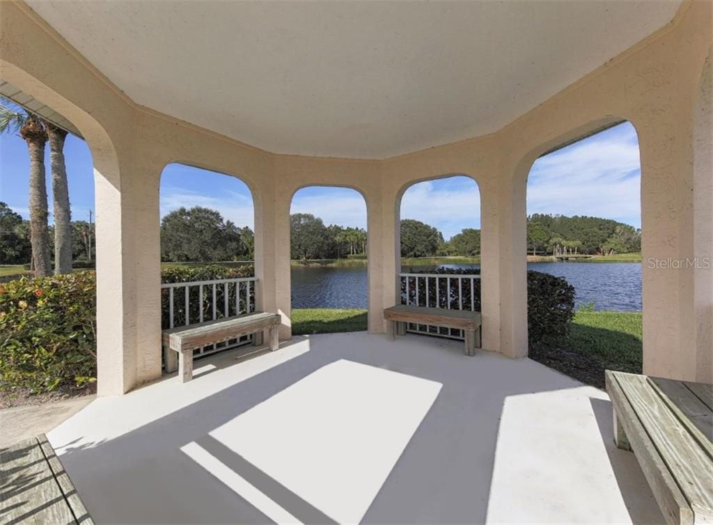 Exterior - Villa for sale at 1244 Berkshire Cir, Venice, FL 34292 - MLS Number is N6110278