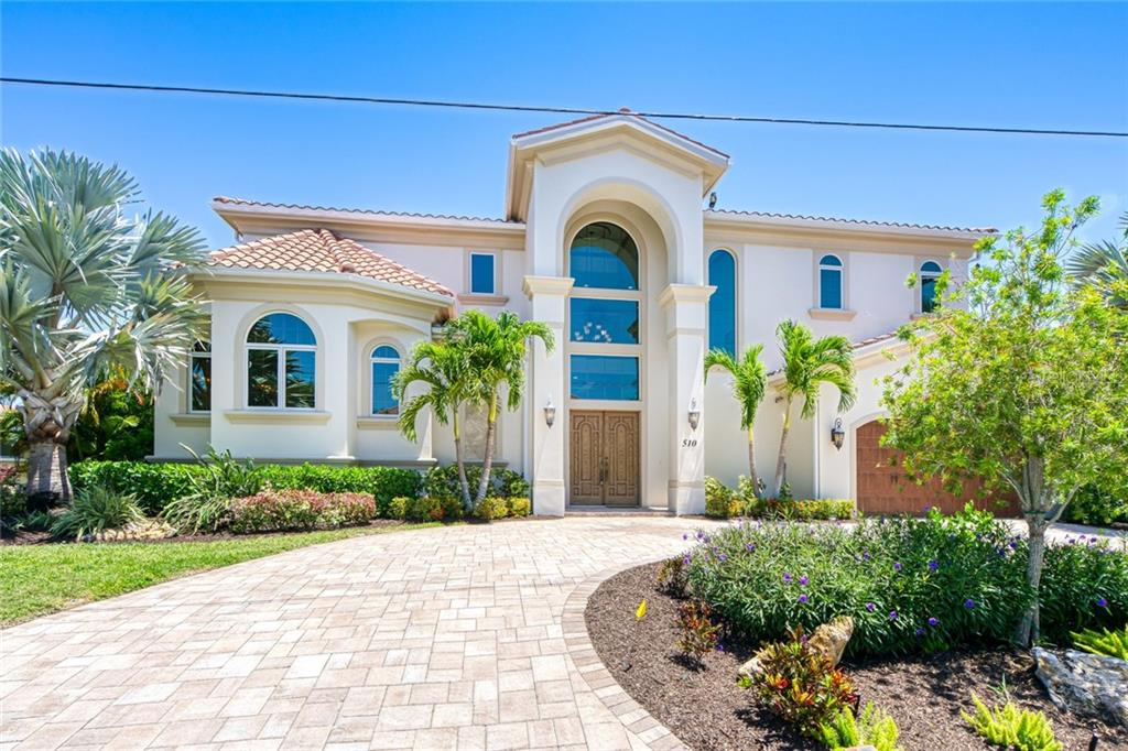 Majestic Entry - Single Family Home for sale at 510 Bowsprit Ln, Longboat Key, FL 34228 - MLS Number is N6110334