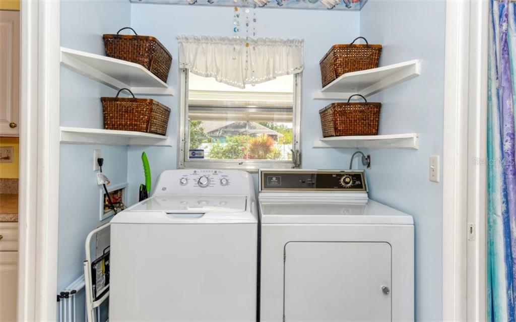 Laundry - Single Family Home for sale at 404 Gulf Breeze Blvd, Venice, FL 34293 - MLS Number is N6110481