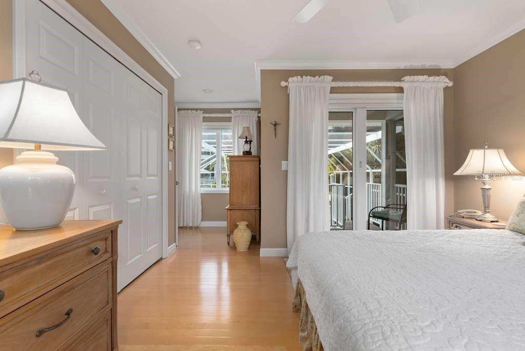 Bedroom 2 - Single Family Home for sale at 725 Eagle Point Dr, Venice, FL 34285 - MLS Number is N6111842