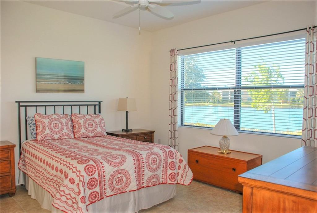 Master bedroom - Single Family Home for sale at 10424 Crooked Creek Dr, Venice, FL 34293 - MLS Number is N6112285