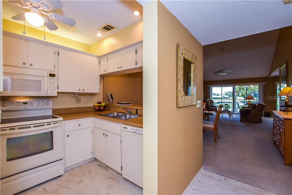 Condo for sale at 435 Cerromar Ln #429, Venice, FL 34293 - MLS Number is N6112643