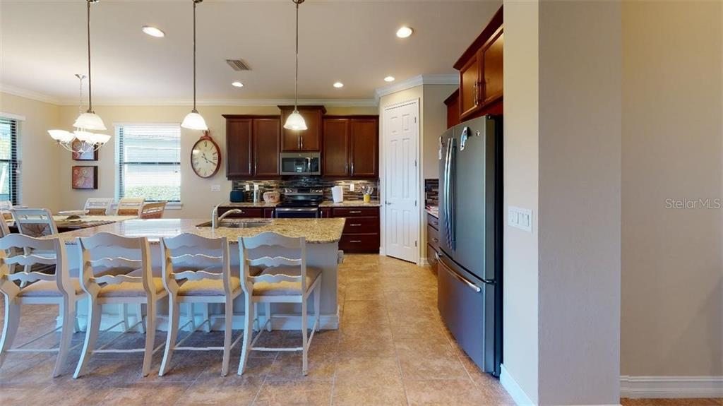 Kitchen - Single Family Home for sale at 1051 Bradberry Dr, Nokomis, FL 34275 - MLS Number is N6112687