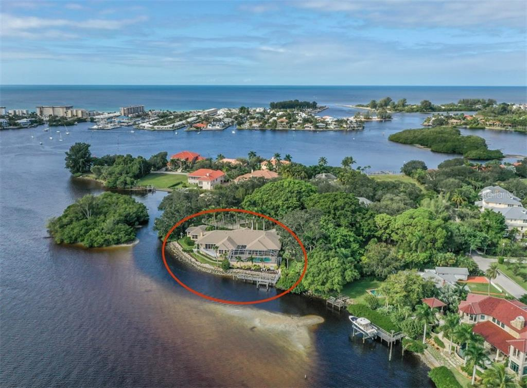 Single Family Home for sale at 453 Anchorage Dr, Nokomis, FL 34275 - MLS Number is N6112707