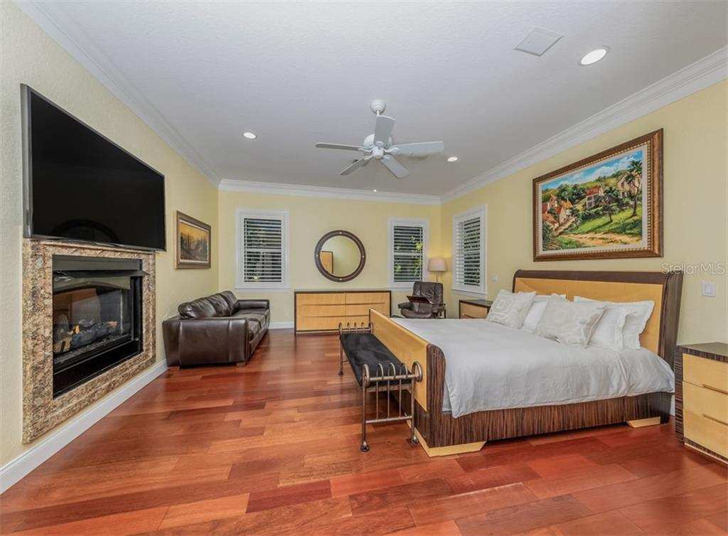 Master bedroom - Single Family Home for sale at 1321 Guilford Dr, Venice, FL 34292 - MLS Number is N6113272