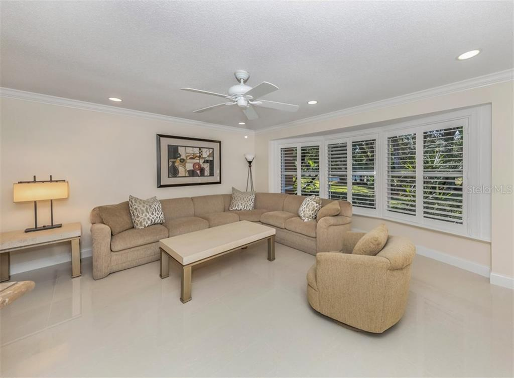 Living room - Single Family Home for sale at 1321 Guilford Dr, Venice, FL 34292 - MLS Number is N6113272