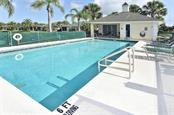Community pool - Villa for sale at 1720 Fountain View Cir, Venice, FL 34292 - MLS Number is N6101363