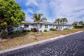 Villa for sale at 1019 Beach Manor Ctr #35, Venice, FL 34285 - MLS Number is N6114592