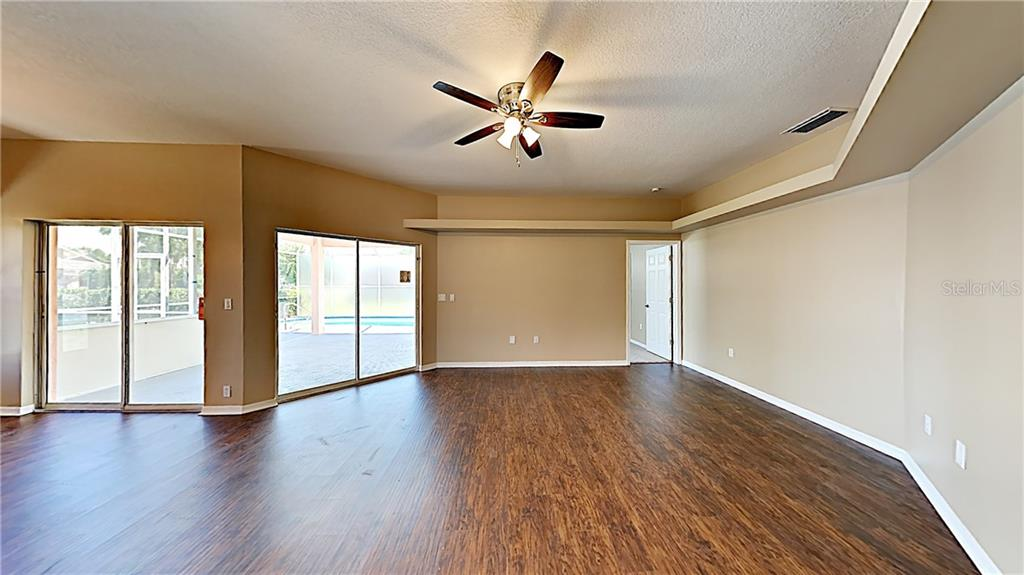 Single Family Home for sale at 5124 72nd St E, Bradenton, FL 34203 - MLS Number is T3143108