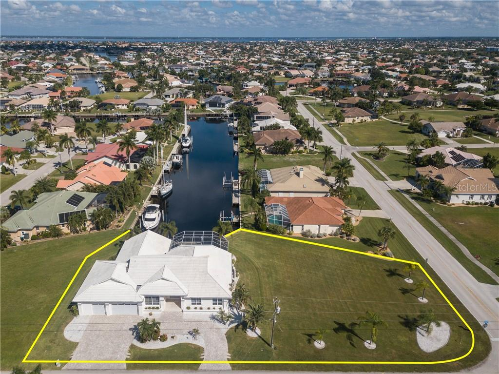 Single Family Home for sale at 2650 Ryan Blvd, Punta Gorda, FL 33950 - MLS Number is C7407961