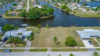 174 Beeney Rd Se, Port Charlotte, FL 33952