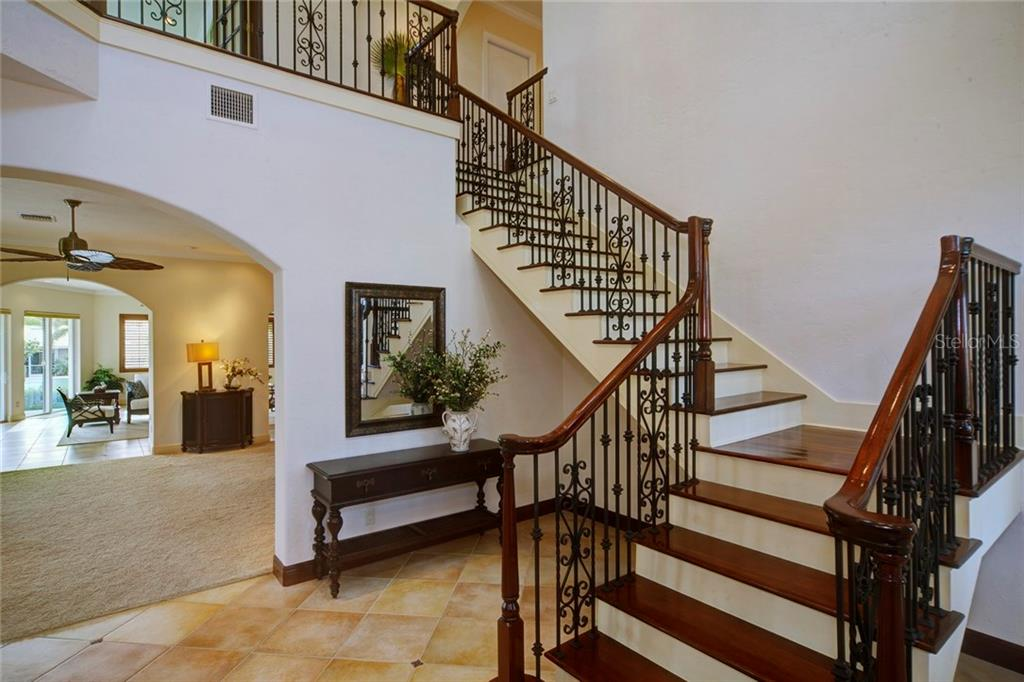 Additional photo for property listing at 580 Chipping Ln 580 Chipping Ln Longboat Key, Φλοριντα,34228 Ηνωμενεσ Πολιτειεσ