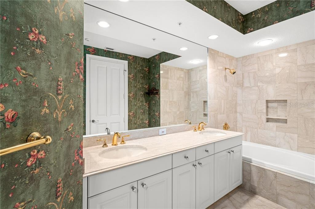 Additional photo for property listing at 35 Watergate Dr #1804 35 Watergate Dr #1804 Sarasota, Florida,34236 Amerika Birleşik Devletleri
