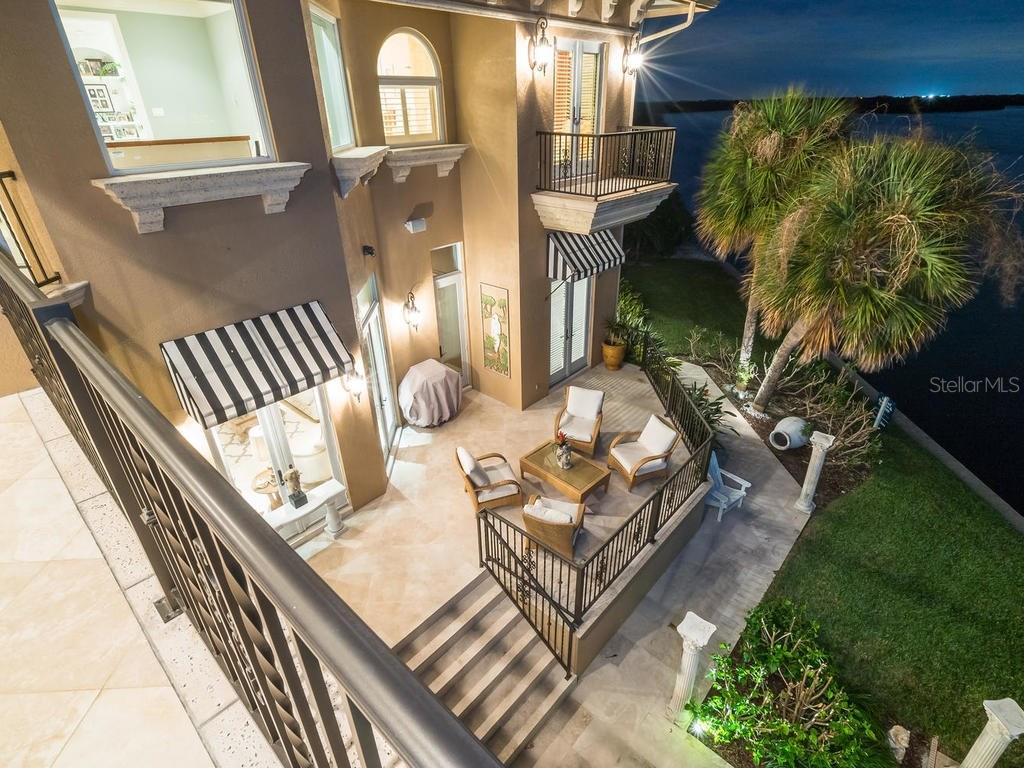 Additional photo for property listing at 640 Rountree Dr 640 Rountree Dr Longboat Key, Florida,34228 Hoa Kỳ