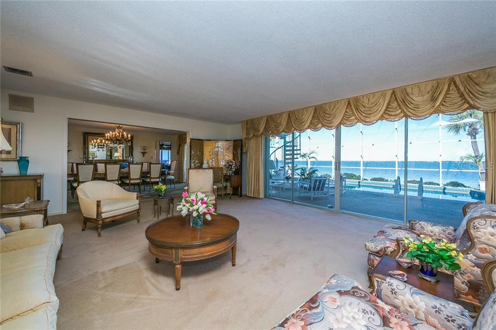 Additional photo for property listing at 601 Putting Green Ln 601 Putting Green Ln Longboat Key, Florida,34228 États-Unis