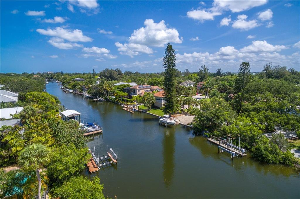 Aerial view - Single Family Home for sale at 5115 Dewey Pl, Sarasota, FL 34242 - MLS Number is A4177178