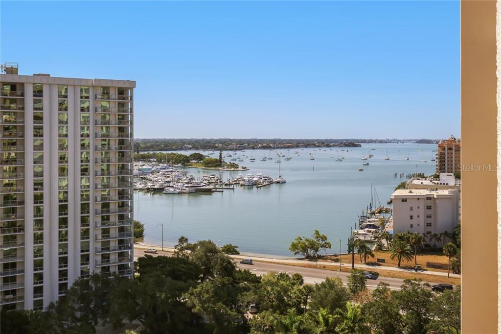 Additional photo for property listing at 35 Watergate Dr #1206 35 Watergate Dr #1206 Sarasota, Florida,34236 États-Unis