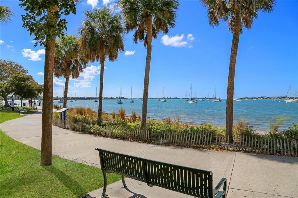 Additional photo for property listing at 35 Watergate Dr #1206 35 Watergate Dr #1206 Sarasota, Florida,34236 Verenigde Staten