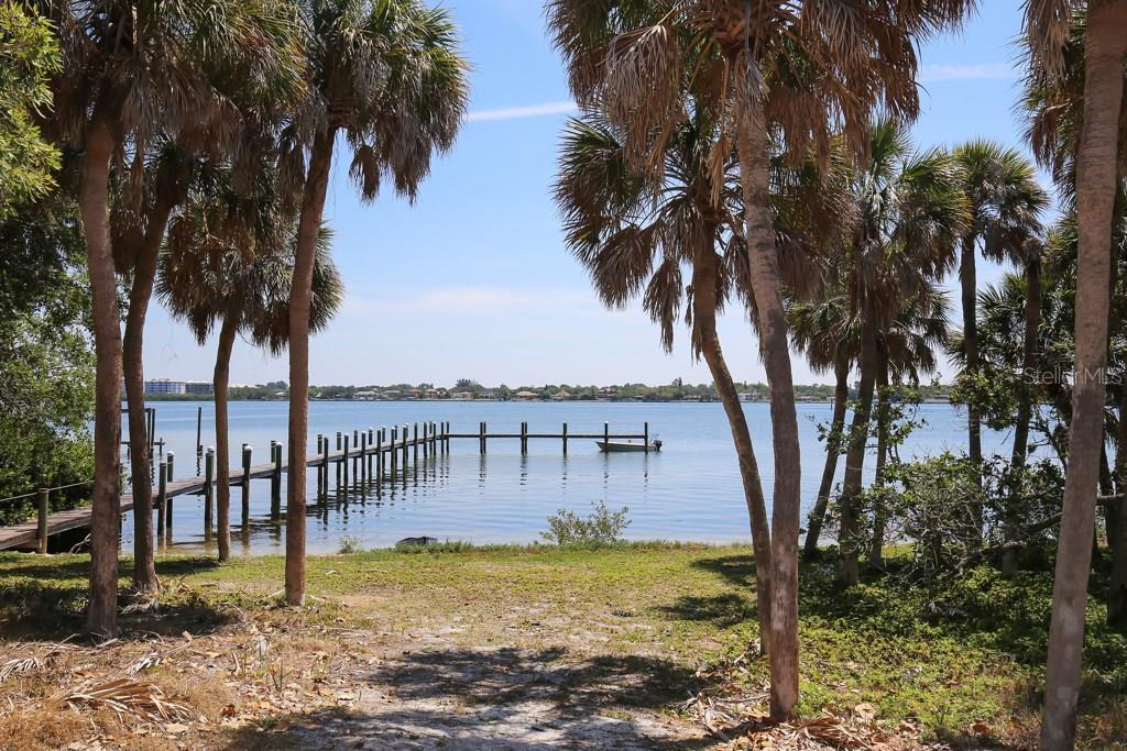 Additional photo for property listing at 332 N Casey Key Rd 332 N Casey Key Rd Osprey, Florida,34229 Stati Uniti