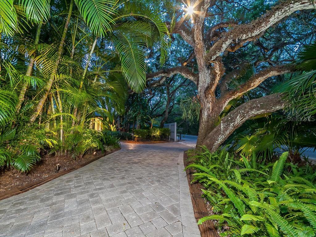 Additional photo for property listing at 5121 Hidden Harbor Rd 5121 Hidden Harbor Rd Sarasota, Florida,34242 États-Unis