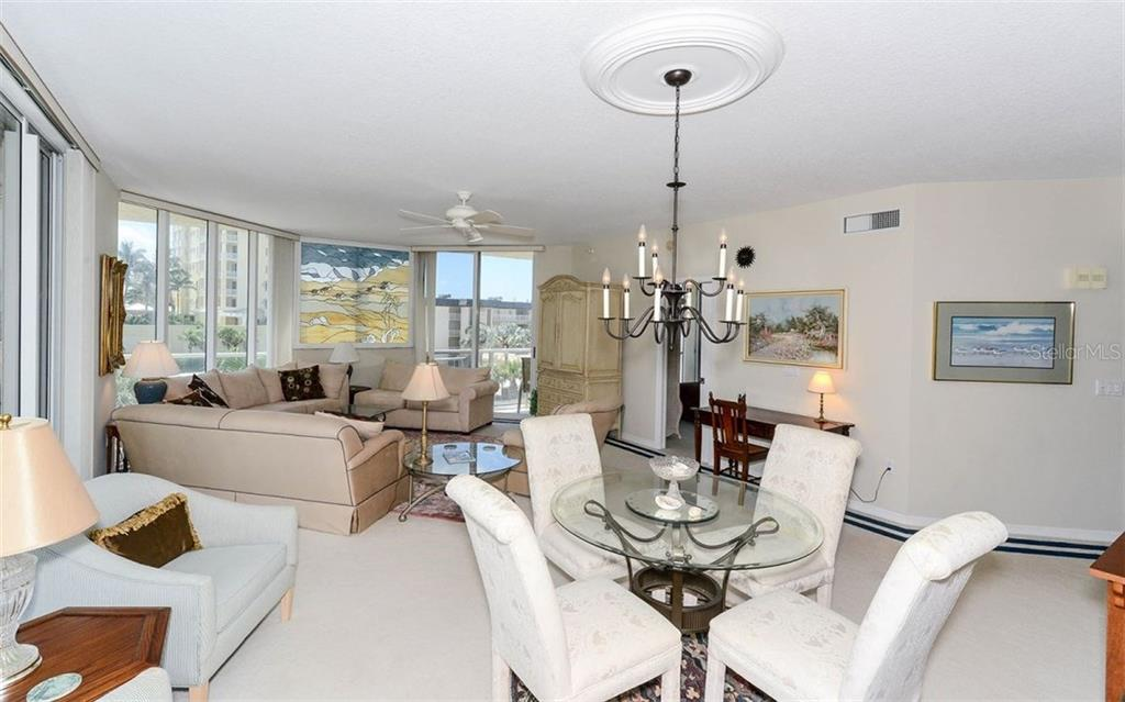 Additional photo for property listing at 1800 Benjamin Franklin Dr #a202  Sarasota, Florida,34236 United States