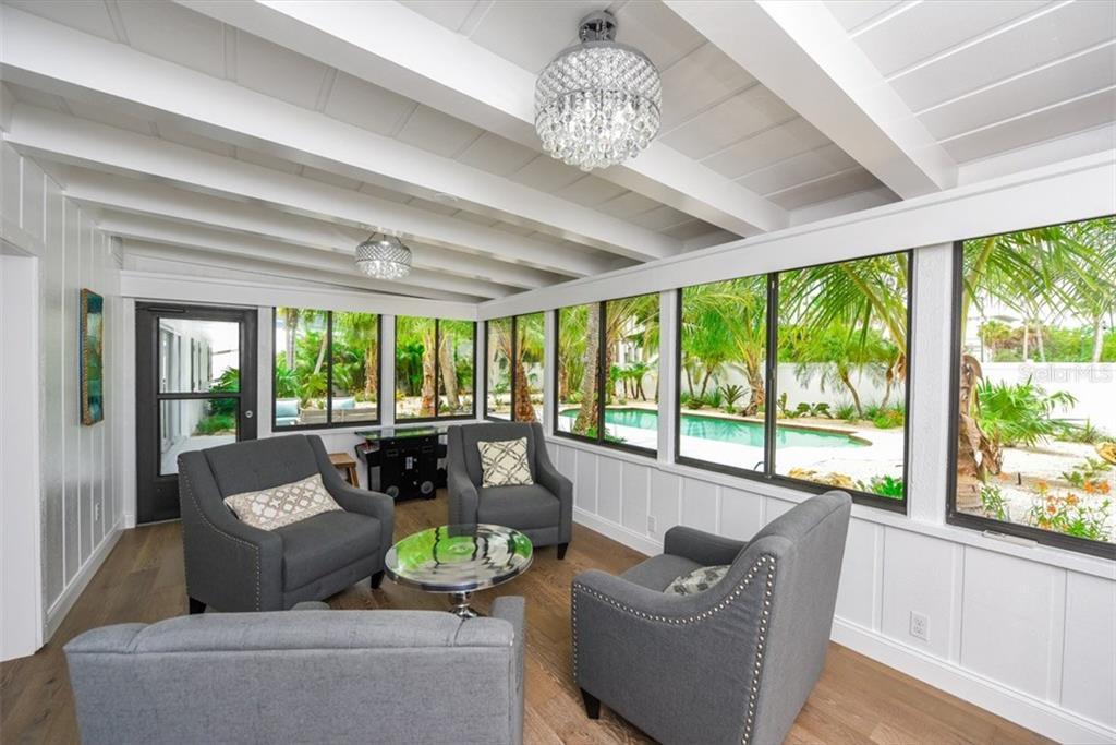 Additional photo for property listing at 47 N Washington Dr 47 N Washington Dr Sarasota, Florida,34236 États-Unis