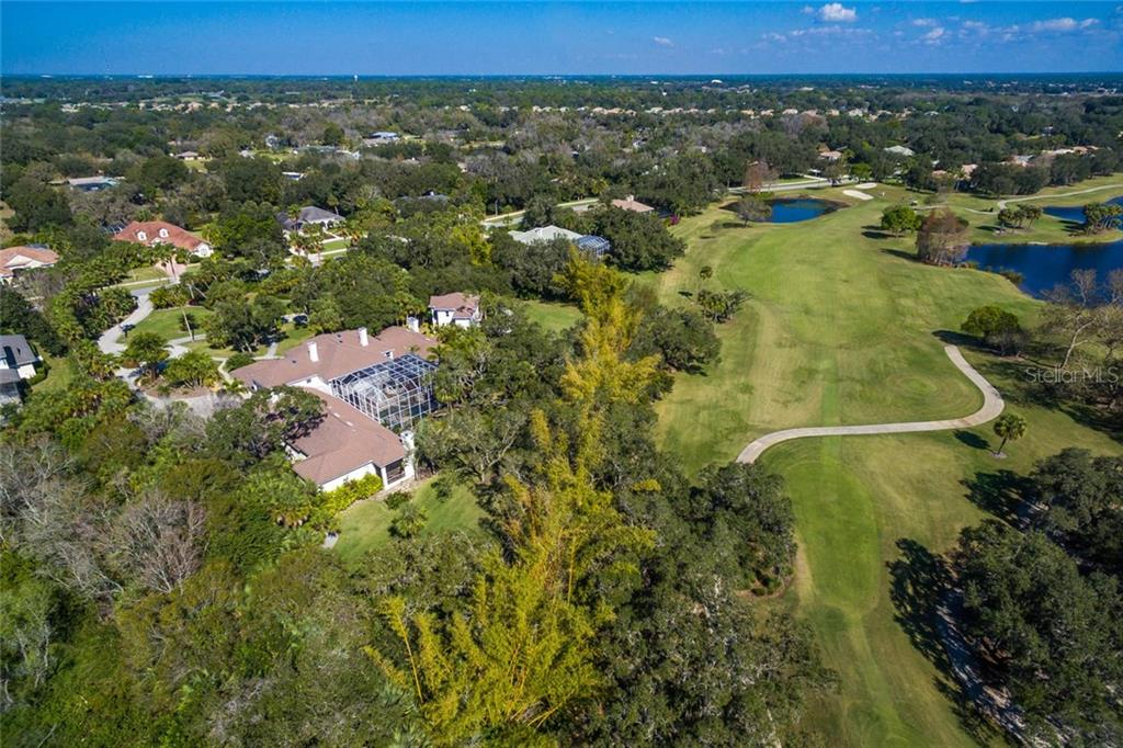 Additional photo for property listing at 2727 Dick Wilson Dr 2727 Dick Wilson Dr Sarasota, Florida,34240 United States