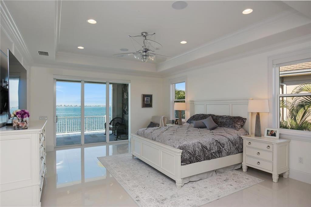 Additional photo for property listing at 1001 Tocobaga Ln 1001 Tocobaga Ln Sarasota, Florida,34236 Amerika Birleşik Devletleri