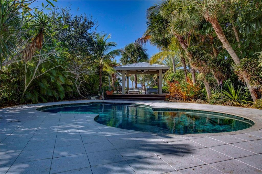 New Supplement - Single Family Home for sale at 621 Casey Key Rd, Nokomis, FL 34275 - MLS Number is A4404789