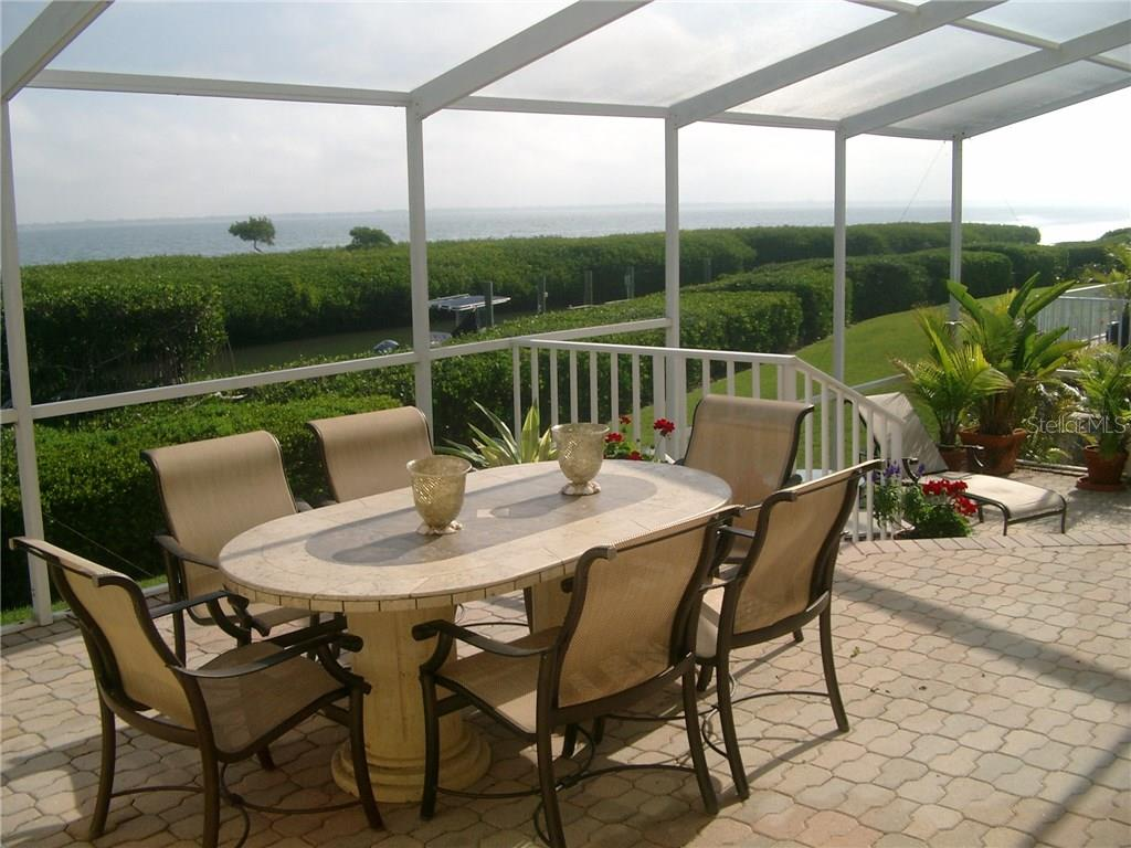 Dinning on the BAY from HOME!!! - Single Family Home for sale at 3452 Mistletoe Ln, Longboat Key, FL 34228 - MLS Number is A4415200
