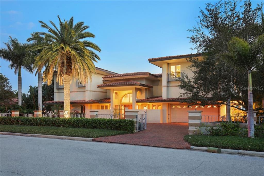 New Attachment - Single Family Home for sale at 110 N Warbler Ln, Sarasota, FL 34236 - MLS Number is A4421676