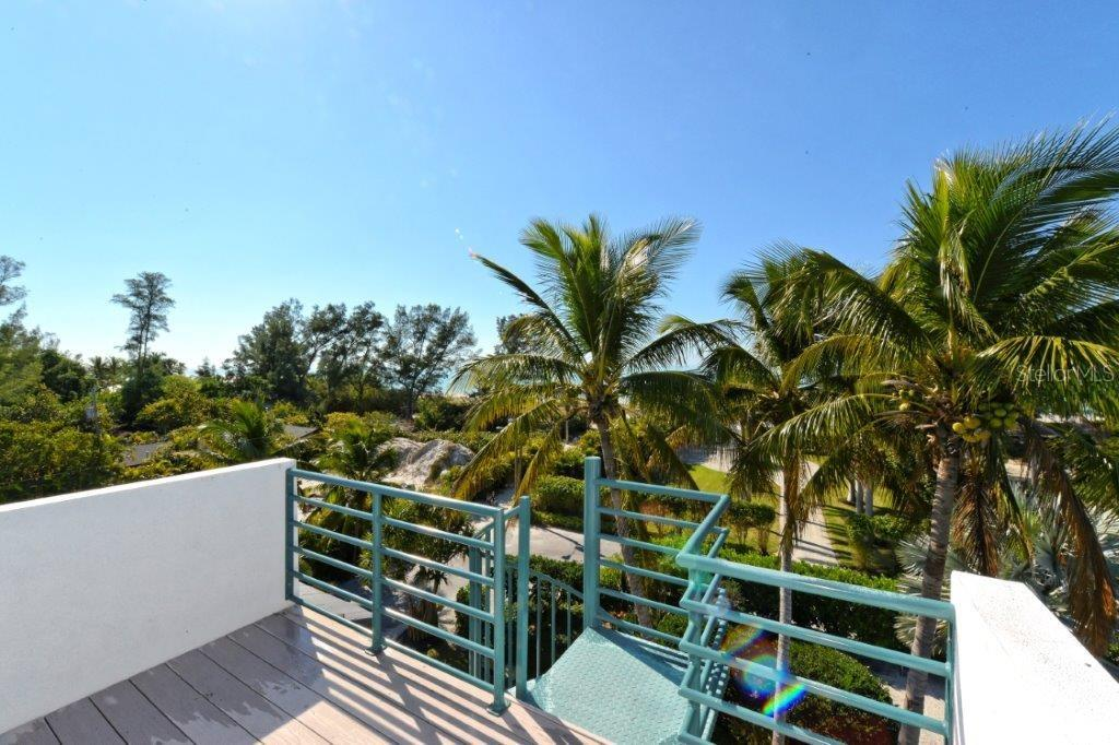 Single Family Home for sale at 6401 Gulf Of Mexico Dr, Longboat Key, FL 34228 - MLS Number is A4426414
