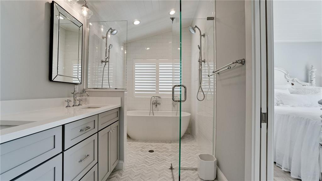 Master Bath - Single Family Home for sale at 720 North Shore Dr, Anna Maria, FL 34216 - MLS Number is A4428062