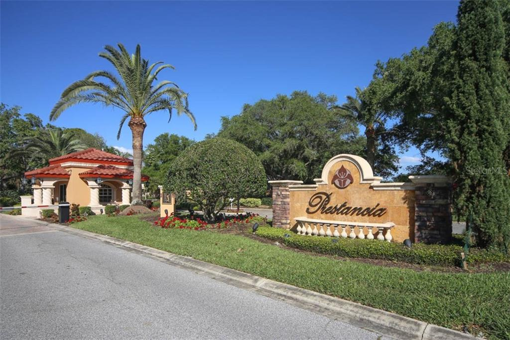 Single Family Home for sale at 3900 Losillias Dr, Sarasota, FL 34238 - MLS Number is A4429838